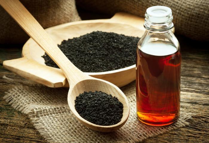 پنج داروی ادرار آور طبیعی برای خوردن و نوشیدن