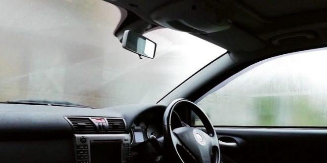 آموزش روشی آسان و موثر برای جلوگیری از بخار کردن شیشه ماشین