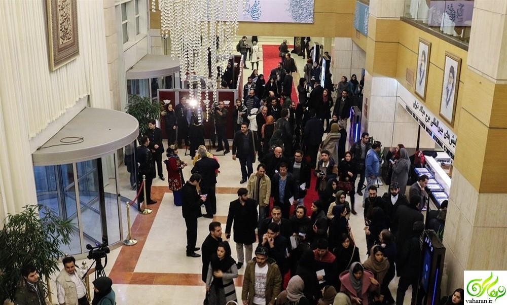 انتقاد شدید به لباس بازیگران در جشنواره فیلم فجر ۹۵