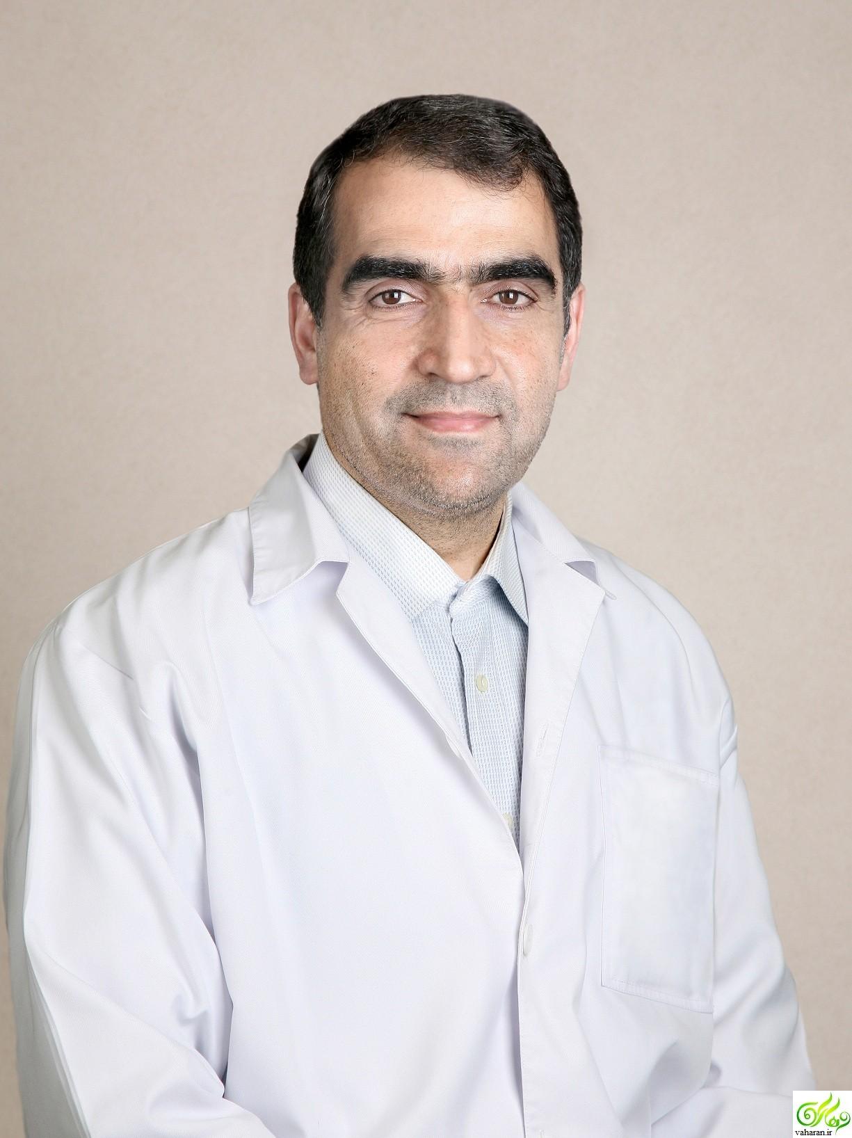 درگیری لفظی شدید هاشمی وزیر بهداشت در ایلام با فرماندار + فیلم