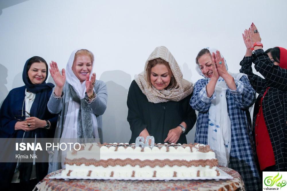 جشن تولد مهرانه مهین ترابی در 60 سالگی با حضور بازیگران + عکس