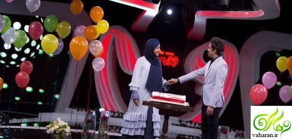 مراسم سالگرد ازدواج امیرعلی نبویان و همسرش روی آنتن زنده + عکس